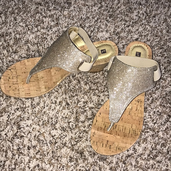 White Mountain Shoes - Adorable Wedge Sandals 💛 NEVER BEEN WORN